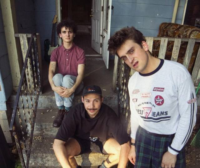 Track Of The Day #867 – Free Pizza – Sighing