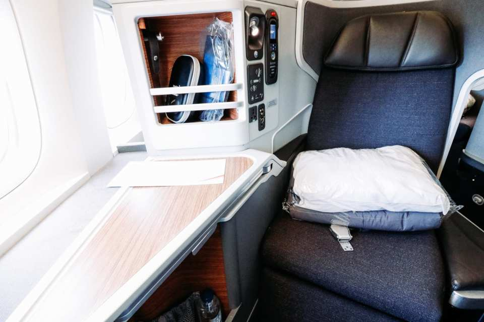 american airlines business class seat 777 300