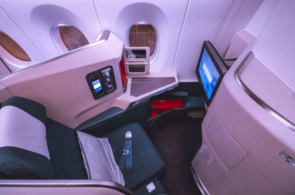 cathay a350 business class seat