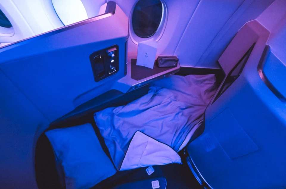 cathay pacific a350 business class bed