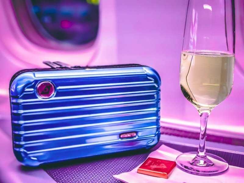business-class-amenity-kit-champagne