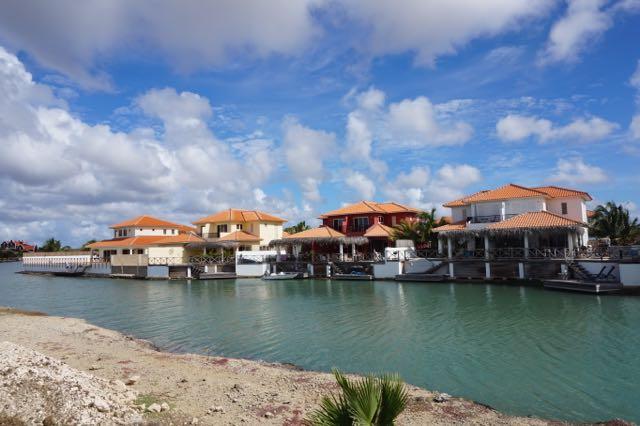 Bonaire houses