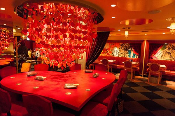 8May_Alice_in_Wonderland_Cafe_Restaurant_1