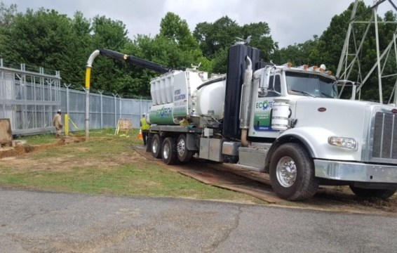 Hydro excavating to assist in the placement of underground utilities