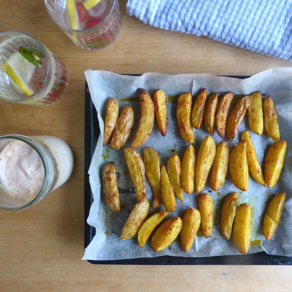 ovengebakken kruidige patato wedges met spicy mayo