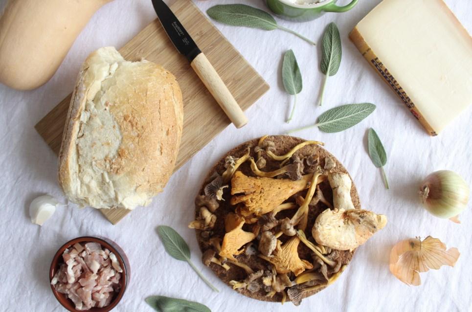 herfstlasagne met bospadesstoelen en butternut pompoen