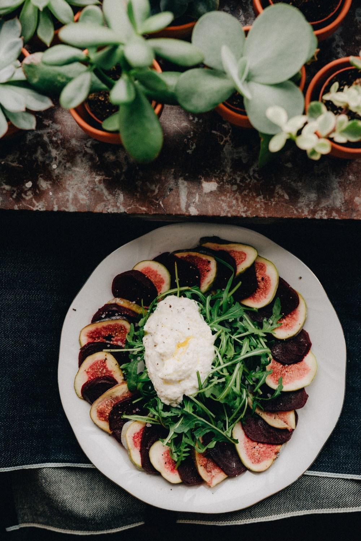 carpaccio vijg rode biet rucola snelle gezonde lunchsalade
