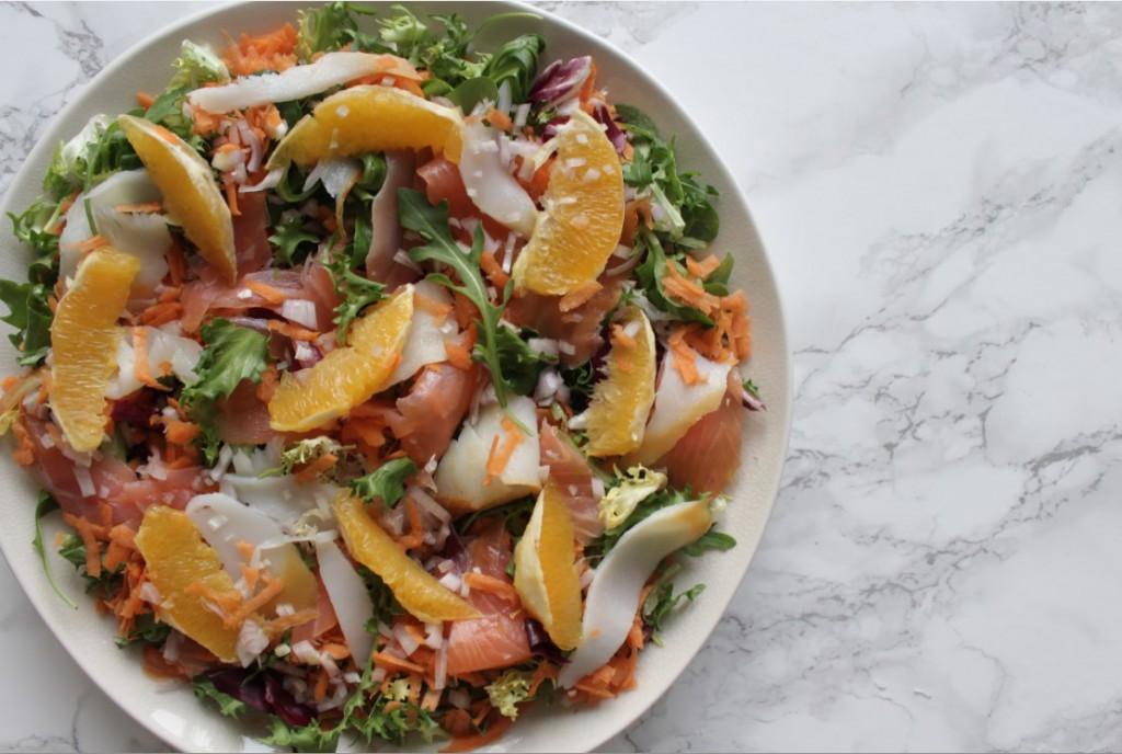 detox salade met gerookte vis zalm heilbot sinaasappel citrus appelsien
