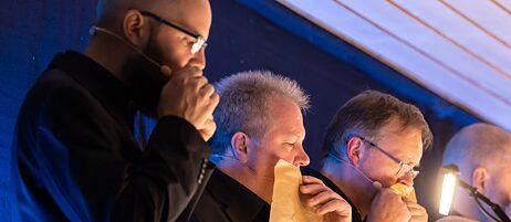 Musiker des SWR Vokalensembles bei der Generalprobe zu Simon Steen-Andersens TRIO
