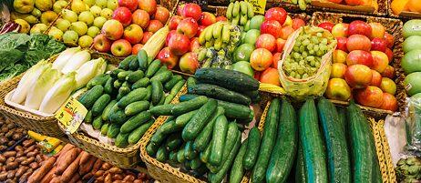 Krumme Gurken hatten es schwer in der EU: Aufgrund von Gesetzen wie jenem zum Krümmungsgrad von Salatgurken wird die EU häufig als Bürokratiemonster kritisiert. Das Gurkengesetz ist mittlerweile aber längst Geschichte.