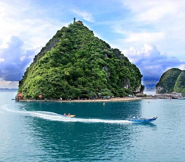 Titov Island, Halong Bay, Vietnam