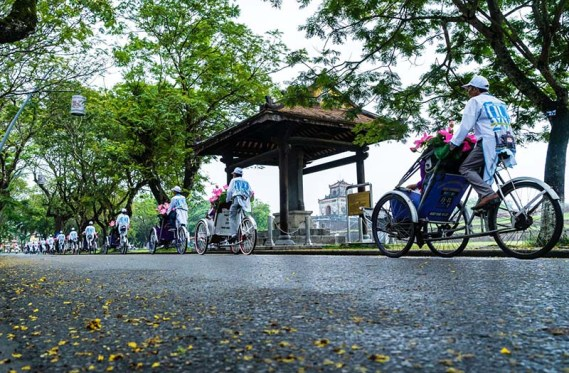 Take a cyclo tour in Hue