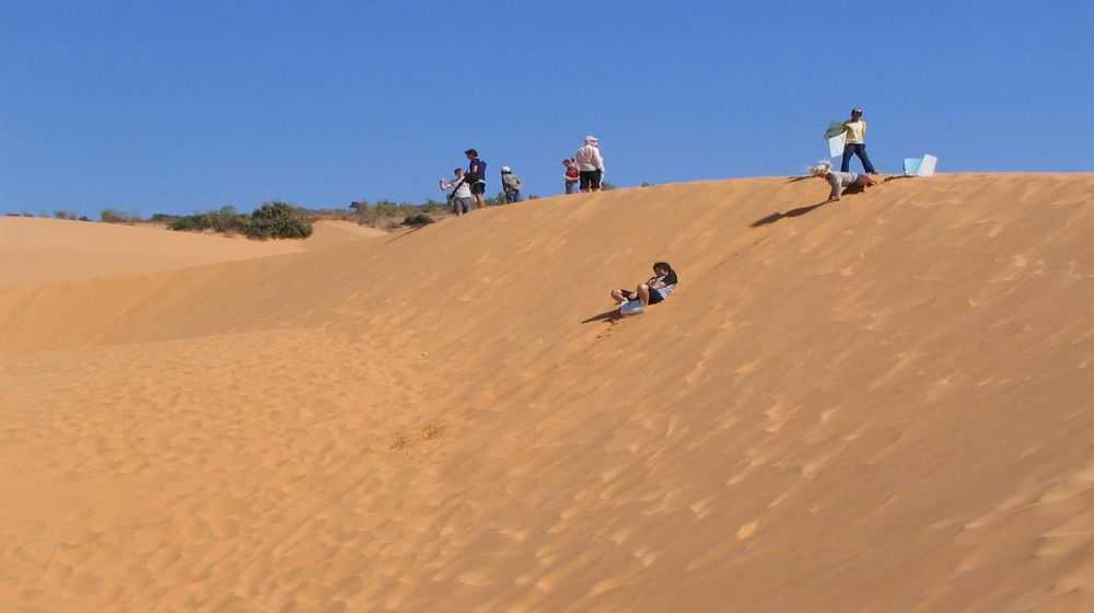 sand sliding in mui ne