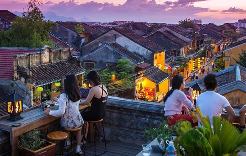 Enjoy a coffee in Hoi An (Best things to do in Hoi An)