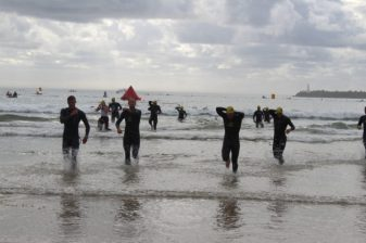Participants overcoming the cold waves of the Indian Ocean