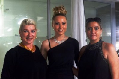 HAVING FUN: From left, Nerina Le Roux, Miss Teen SA 2020 finalist Sarah-Jayne Johnson and her mother Melody Johnson.