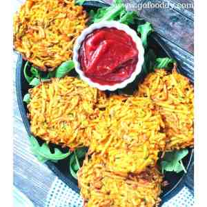 Serve fritters with Sauce