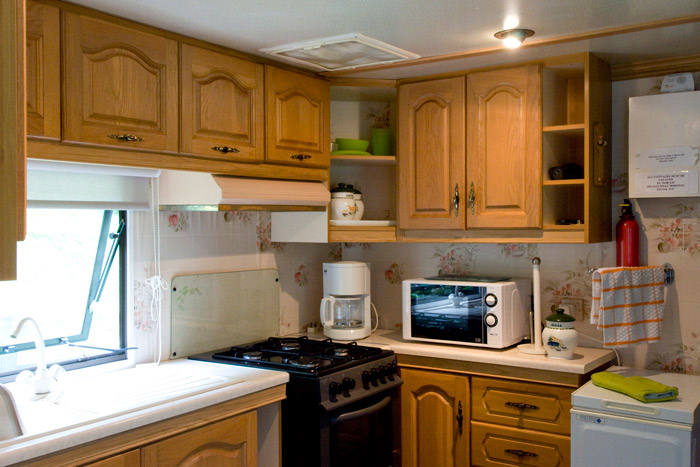 gogarth-caravan-kitchen