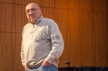 Vom Publikum auf die Bühne: Kabarettist Clemens-Peter Wachenschwanz meldete sich auf seine Weise zu Wort