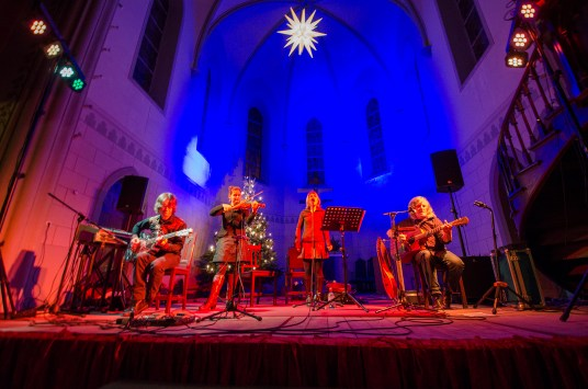 Buckley´s Chance – Acoustic World Music, Konzert am 11.12.2015 in der Friedenskirche Leipzig; Foto: Andreas Reichelt