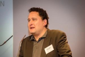 """Oliver Hidalgo, Universität Regensburg zum Thema: """"'Das hat doch alles mit dem Islam (nichts) zu tun!' Wie der wissenschaftliche und populäre Diskurs aneinander und an der Sache vorbei redet""""; Foto: Andreas Reichelt"""