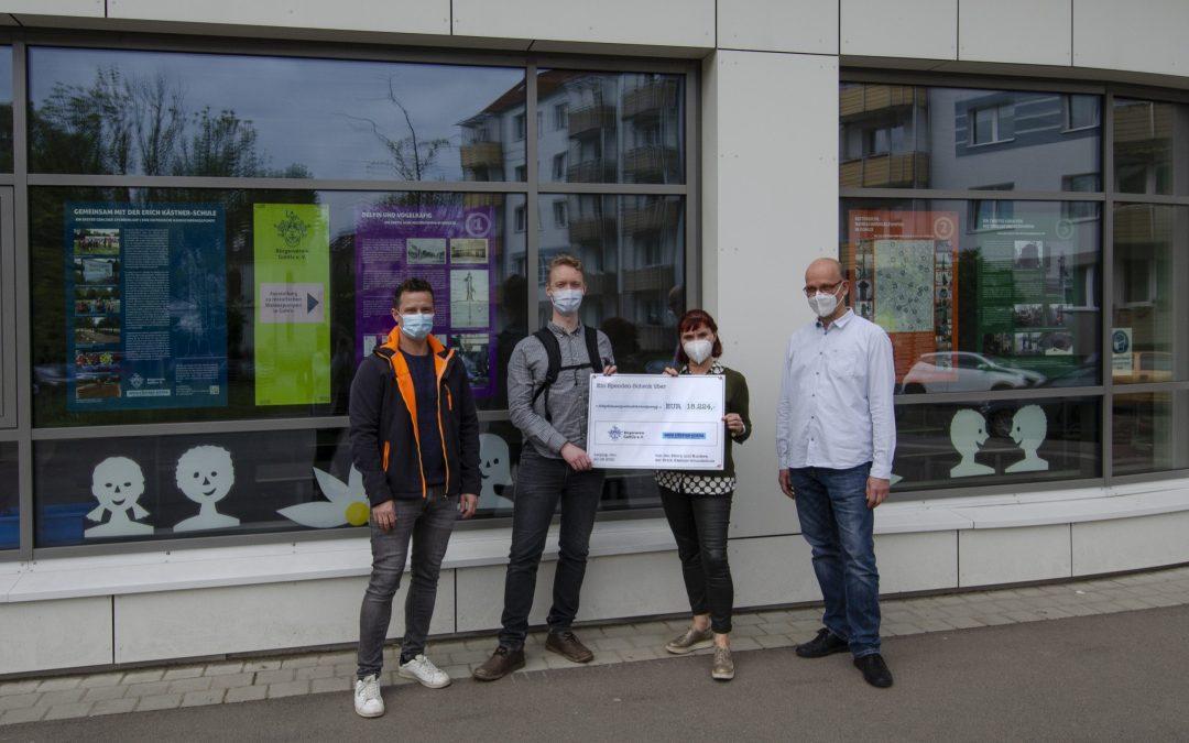 Gemeinsam mit der Erich Kästner-Schule: Ein erster Gohliser Spendenlauf | Eine historische Handschwengelpumpe