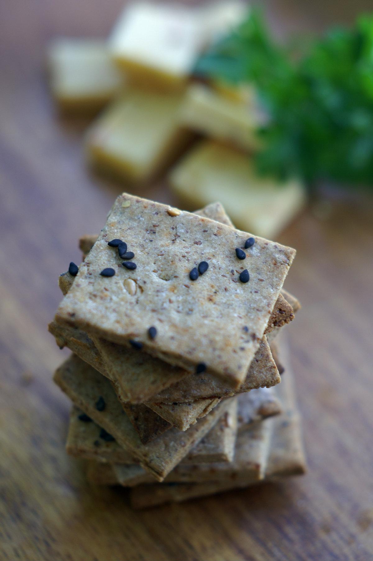 Square crackers 1