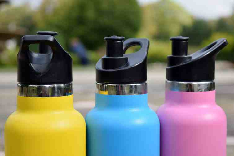 EatWell-UK Montii water bottle with sports cap