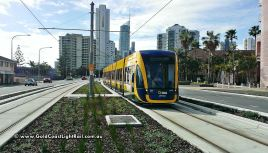 Gold Coast Light Rail approaching Florida Gardens Station
