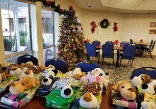 pet food pantry christmas presents for pets