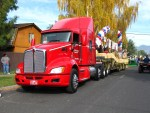 2011 Kenworth semi pulling Gold Dust's parade float