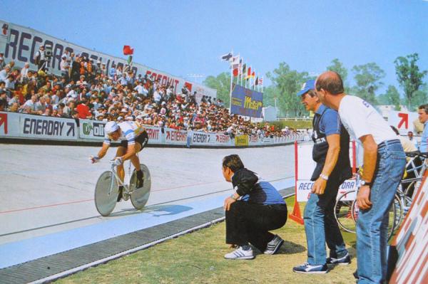 Francesco Moser bei seinem Stundenweltrekordversuch 1984 in Mexico