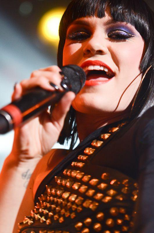 Jessie J-16