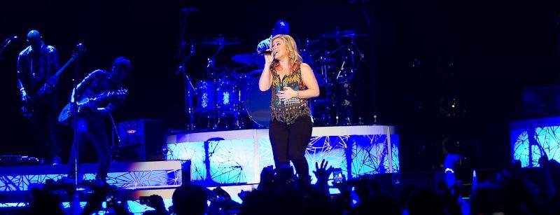 Kelly Clarkson @ The O2  by Owen Humphreys-19-2