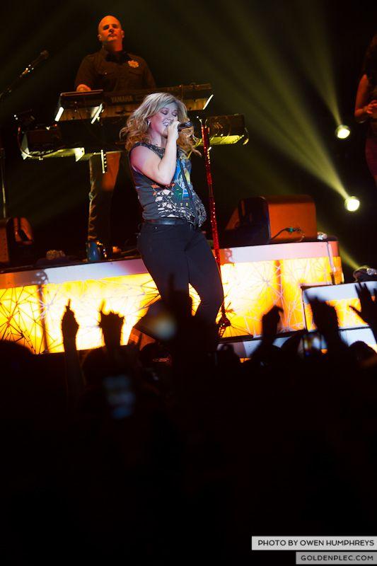 Kelly Clarkson @ The O2  by Owen Humphreys-3