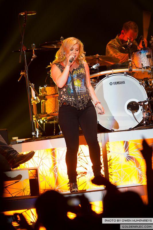 Kelly Clarkson @ The O2  by Owen Humphreys-5