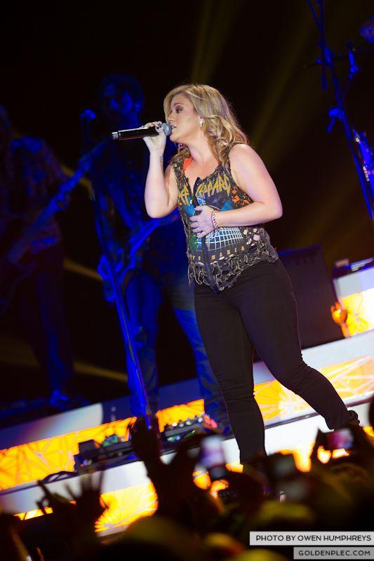 Kelly Clarkson @ The O2  by Owen Humphreys-7