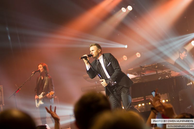 Gary Barlow @ The Olympia on 7-1-13 (9)