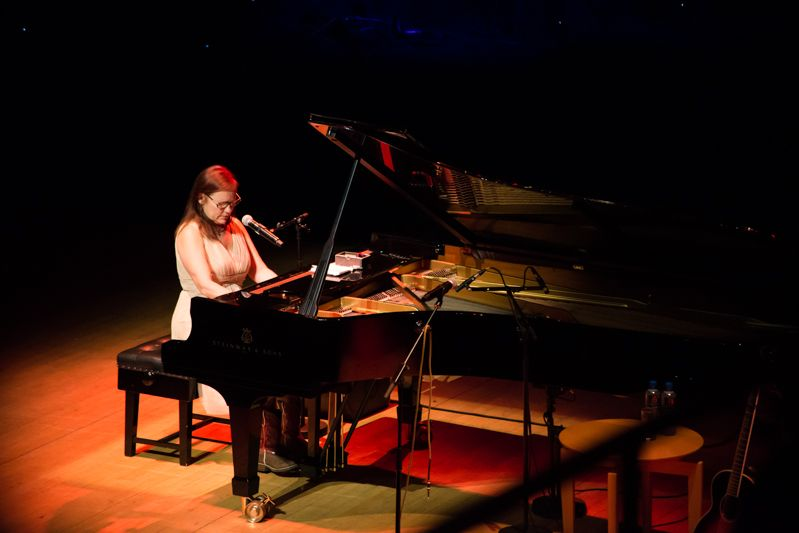 Iris Dement at NCH on 08-08-13 (10)