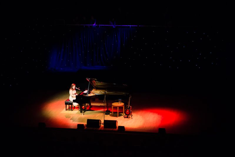 Iris Dement at NCH on 08-08-13 (6)
