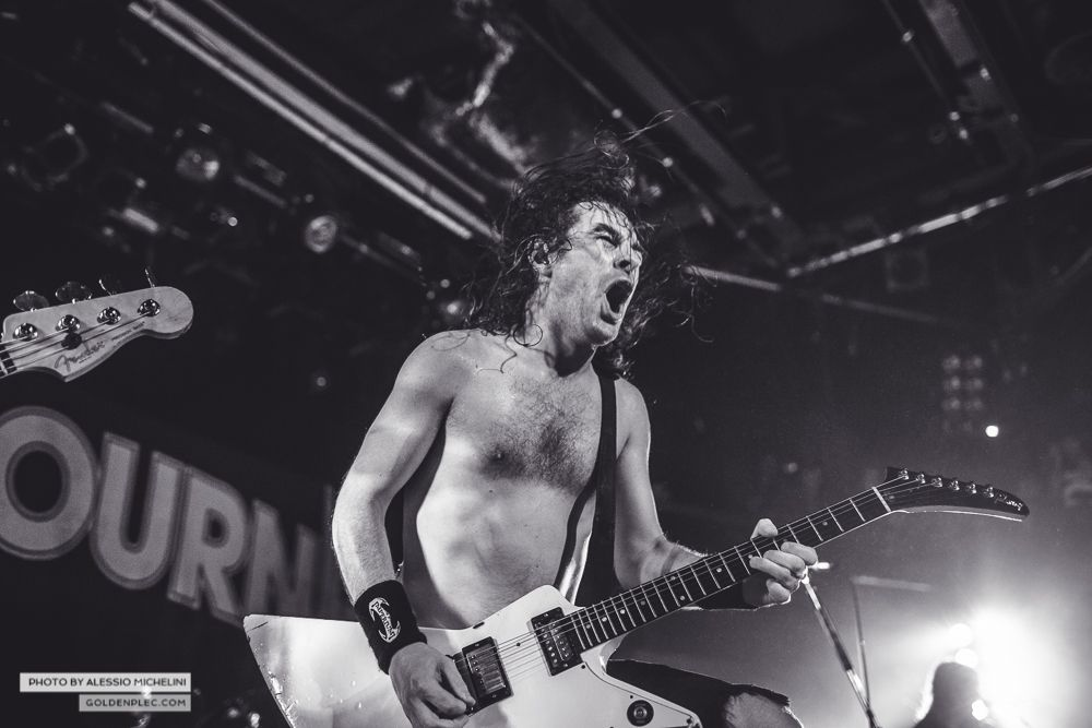Airbourne-Academy-22-oct-2013-6
