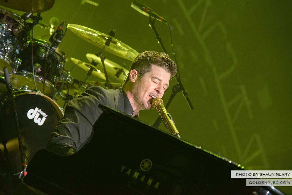 Robin Thicke at The o2, Dublin on January 16th 2014-13