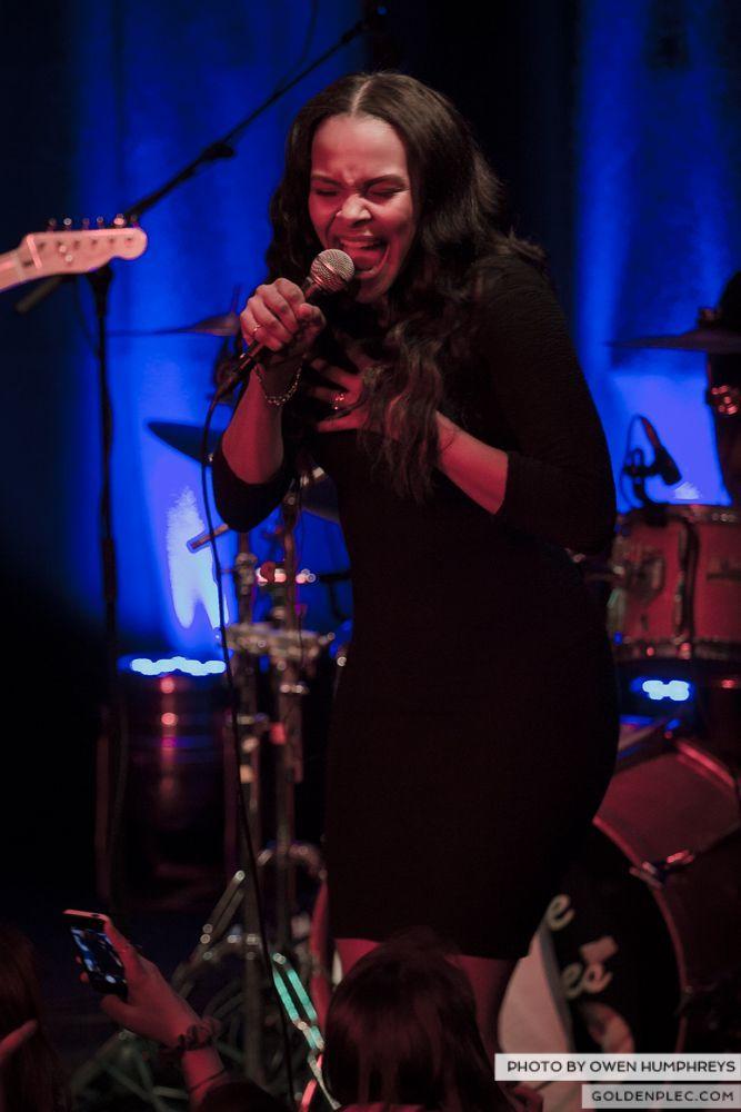 Samantha Mumba at Monroe's, Galway on 21-2-14 (6 of 16)