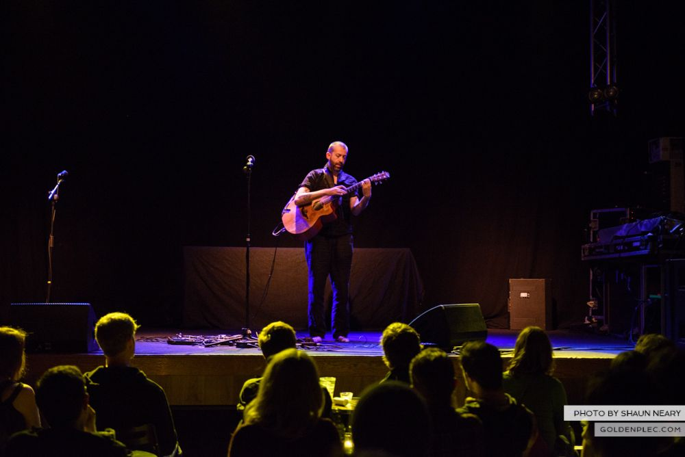 Jon Gomm at The Button Factory, Dublin on May 23rd 2014 by Shaun Neary-11
