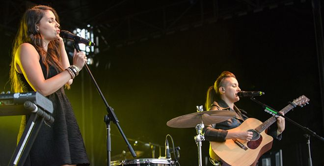 Heathers at Leopardstown Racecourse, Dublin on June 19th 2014 by Shaun Neary-18-banner
