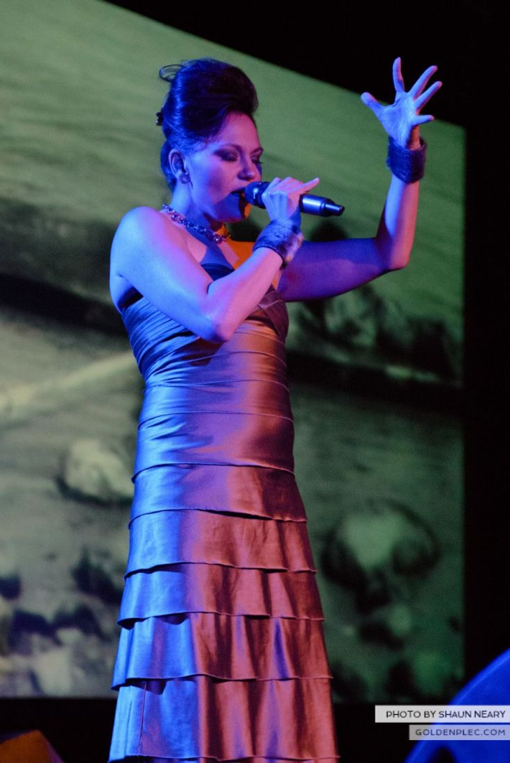 Tanya Tagaq – Meeting House Square, Dublin on September 7th 2014 by Shaun Neary-09