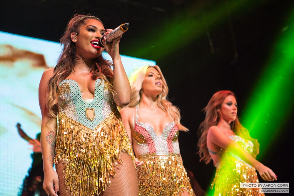 The Saturdays at Olympia by Aaron Corr-20