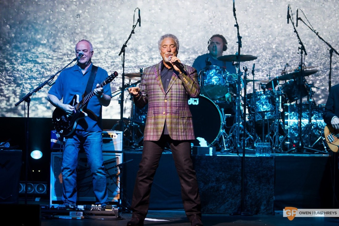 Tom Jones at The Olympia Theatre by Owen Humphreys (10 of 14)