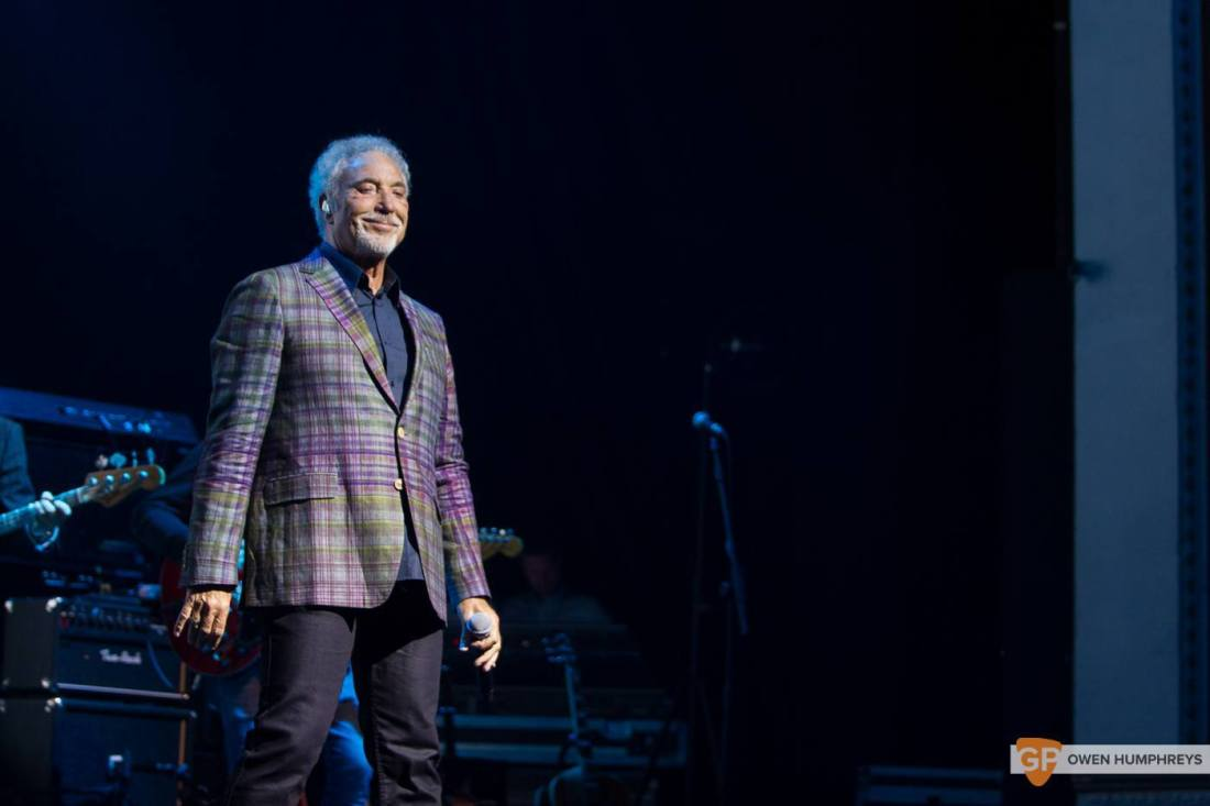 Tom Jones at The Olympia Theatre by Owen Humphreys (13 of 14)