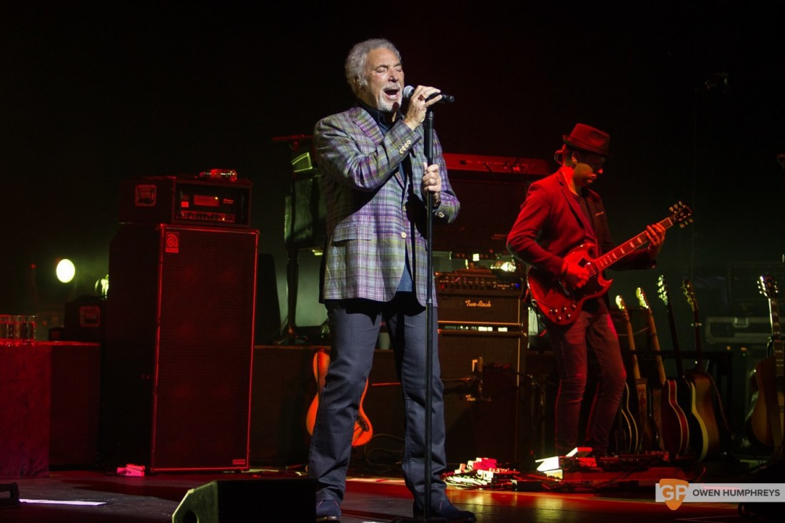 Tom Jones at The Olympia Theatre by Owen Humphreys (3 of 14)